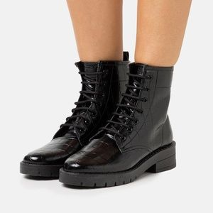 NWT Topshop Lace-up Boots in Black Croc Sz 39 Wide